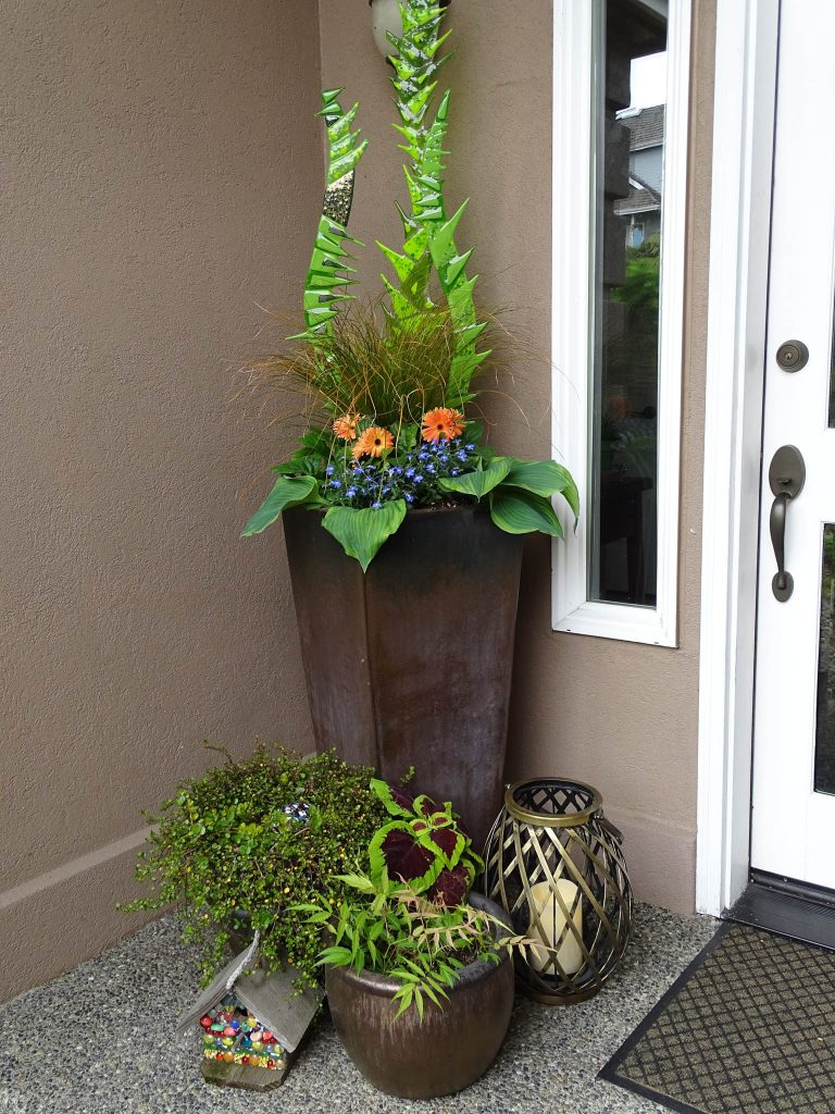 Simple Front Porch Container Design