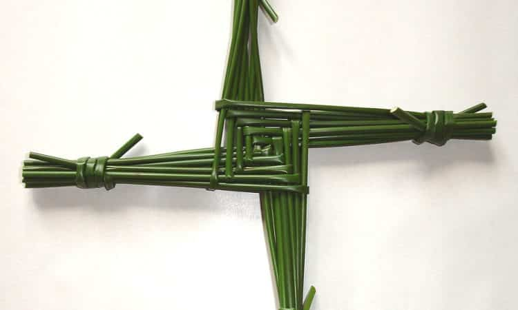 How to make a Traditional St. Briget's Cross