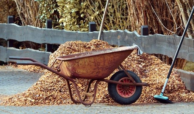 What type of Landscape Mulching to use for your garden